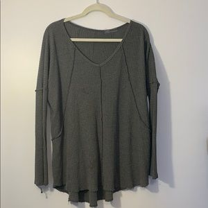 Long sleeve high low thermal top. Size medium.
